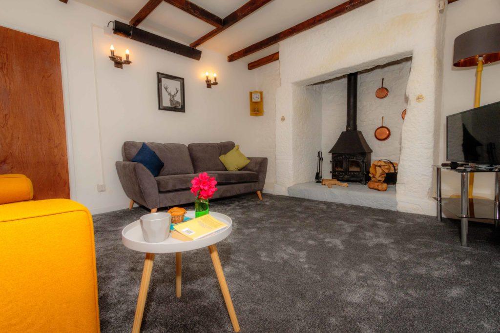 Little Avalon Lounge